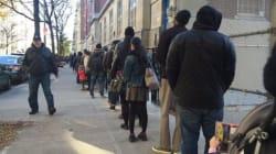 De longues files d'attente devant les bureaux de vote américains, du jamais vu par