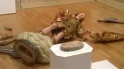 Τουρίστας κατέστρεψε ολοσχερώς άγαλμα 400 ετών προσπαθώντας να βγάλει μία