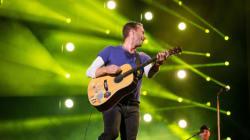 Οι Coldplay κατηγορούνται ότι βεβήλωσαν την ινδική