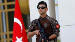 Νέο κύμα διώξεων, η Άγκυρα αποπέμπει άλλους 15.000 δημοσίους υπαλλήλους, στρατιωτικούς,