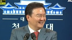 민경욱 전 대변인이 세월호 사고를 전하며 웃은 이유를