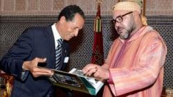 Le roi commande en Italie un livre entièrement fait à la main sur la famille