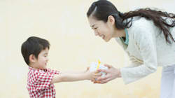 How Can Parents Encourage Children To Keep The Christmas Cheer Going All