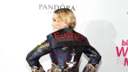 Όχι δεν είναι Photoshop: H Madonna φόρεσε πράγματι σακάκι που γράφει επάνω