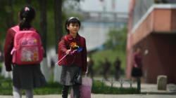 Οργή με βίντεο που δείχνει παιδιά να επισκευάζουν σιδηροδρομικές γραμμές στην Β.