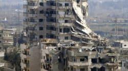 L'évacuation des rebelles blessés et civils d'Alep en Syrie est