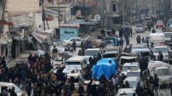 Συνεχίζεται η εκκένωση του Χαλεπιού: Χιλιάδες μαχητές και άμαχοι περιμένουν να εγκαταλείψουν την