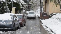 Διακοπή κυκλοφορίας λόγω χιονόπτωσης στην περιφερειακή οδό Πεντέλης – Νέας