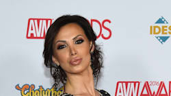 Πρωταγωνίστρια ερωτικών ταινιών κατηγορεί σκηνοθέτη ότι την κακοποίησε μπροστά στην