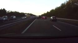 Το σύστημα αυτόματου πιλότου της Tesla προβλέπει τα τροχαία ατυχήματα πριν