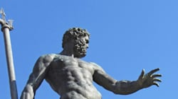 페이스북이 르네상스 시대의 누드 동상도