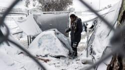 Θαμμένες στο χιόνι οι σκηνές των προσφύγων στη