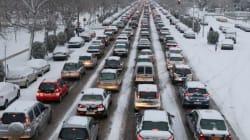 Χάος στη Θεσσαλονίκη λόγω του χιονιά. Εγκλωβισμένοι για ώρες