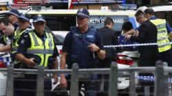 Une voiture fonce dans la foule à Melbourne, au moins trois