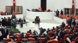 Ψηφίστηκαν άλλες τέσσερις συνταγματικές τροποποιήσεις από το τουρκικό