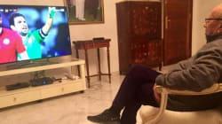 Béji Caid Essebsi en survet' et baskets devant le match Tunisie-Algérie, la toile