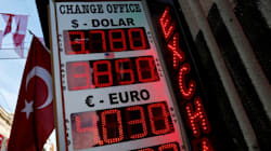 Διπλό χτύπημα για την Άγκυρα: Ο Fitch υποβαθμίζει σε «σκουπίδια» τα ομόλογά της, ο S&P την προοπτική της