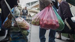 Πληρώνουν υπαλλήλους με κουπόνια σούπερ μάρκετ και προπληρωμένες κάρτες Βουλγαρίας και