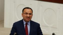 Οι σχέσεις Ελλάδας-Τουρκίας θα πληγούν προειδοποιεί ο Τούρκος Υπουργός