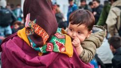 Έτινγκερ: Όσοι δεν υποδέχονται πρόσφυγες θα πρέπει να προσφέρουν κάτι