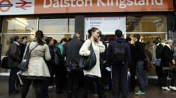 Εκκένωση τρένου στο Λονδίνο λόγω ηλεκτρικού προβλήματος. Αναφορές για