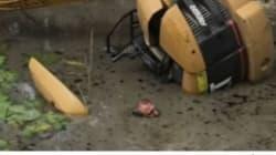 Άνδρας εγκλωβίστηκε σε φράγμα και σώθηκε χάρη στη γιόγκα. Προεξείχε από το νερό μόνο η μύτη