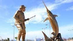 Une statue en hommage à Hemingway à