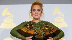 Η Adele ξεπέρασε την Beyoncé σε βραβεία, αλλά ο David Bowie ήταν ο μεγάλος νικητής της