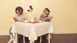 Σερβιτόροι κρυφακούν και αποκαλύπτουν τα χειρότερα πρώτα ραντεβού που έχουν