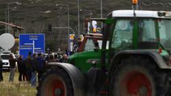 Αποχωρούν από τα μπλόκα οι αγρότες σε Λάρισα και Κεντρική