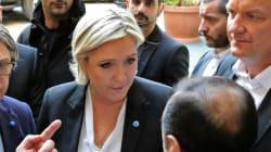 Λεπέν: Aρνήθηκε να φορέσει μαντίλα στη συνάντηση με τον μουφτή της