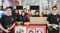 Red Arrow 67: Μαθητές κατασκεύασαν τηλεκατευθυνόμενο αυτοκίνητο που δεν