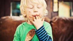 Αυτός είναι ο πραγματικός λόγος που αγαπάμε τόσο πολύ η σοκολάτα (και συνδέεται με τις πρώτες ώρες της ζωής