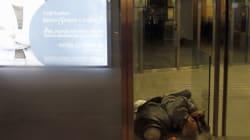 Αποτρόπαιο βίντεο: Άγνωστος πυρπολεί άστεγο στο Παλέρμο. Ερωτικός αντίζηλος ο