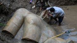 람세스 2세로 추정되는 석상이