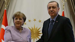 La Turquie traite Angela Merkel de suppôt du