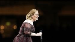 Η Adele προσπαθεί να χορέψει όπως η Beyoncé και η Δευτέρα μας έγινε μόλις