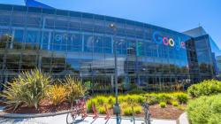 H Google απολογείται για την τοποθέτηση διαφημίσεων σε ρατσιστικά και ομοφοβικά