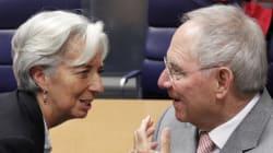 Η εμμονή Σόιμπλε με το ΔΝΤ μπορεί να εξελιχθεί σε ωρολογιακή βόμβα στις γερμανικές εκλογές, γράφει η Die