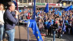 """Interview mit Pulse of Europe-Gründer Dr. Daniel Röder: """"Uns war klar, wir müssen es anders machen als die Briten und"""