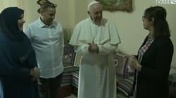 Le pape François reçu par une famille marocaine à Milan