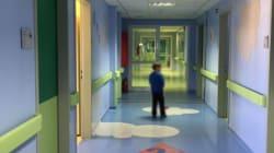 Η επώδυνη διαδρομή των «εισαγγελικών παιδιών». Από ένα επιβλαβές οικογενειακό περιβάλλον, εγκλωβισμένα στα παιδιατρικά