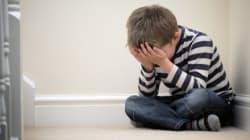 Η «ταμπέλα» πληγώνει την παιδική