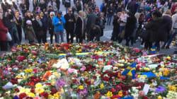 Bougies, fleurs, pleurs et silence,...Stockholm tente de revenir sur ses