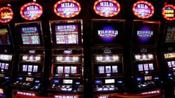 Αυτός έβαλε τα λεφτά, αλλά αυτή πάτησε το κουμπί στα «φρουτάκια»: Σε ποιον ανήκουν τα 100.000