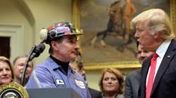«Προσλάβετε Αμερικανούς» ή αλλιώς το νέο διάταγμα Τραμπ για την αυστηροποίηση της χορήγησης