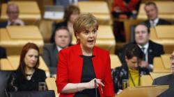 Η απόπειρα της Μέι να εμποδίσει το δημοψήφισμα στη Σκωτία θα αποτύχει παταγωδώς λέει