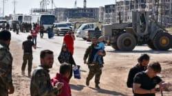 Περισσότεροι από 3.000 Σύριοι παραμένουν εγκλωβισμένοι κοντά στο