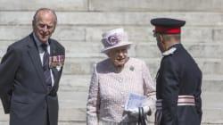 Έκτακτη σύσκεψη στο Μπάκιγχαμ. Διαψεύδονται οι φήμες περί θανάτου του πρίγκιπα