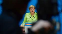 Μέρκελ: Λαμπρή νίκη του Μακρόν. Ζάιμπερτ: Ο Σόιμπλε θα συζητήσει μέτρα για την ενίσχυση της